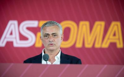 En su presentación como flamante entrenador de la Roma, esto hizo José Mourinho, le habló a quiénes lo critican