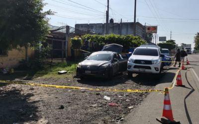 Localizan 30 MIL dólares dentro de un vehículo en Quetzaltenango