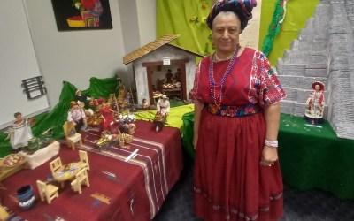 Guatemalteca expone artesanías y tradiciones en el  consulado de Phoenix, Arizona Estados Unidos