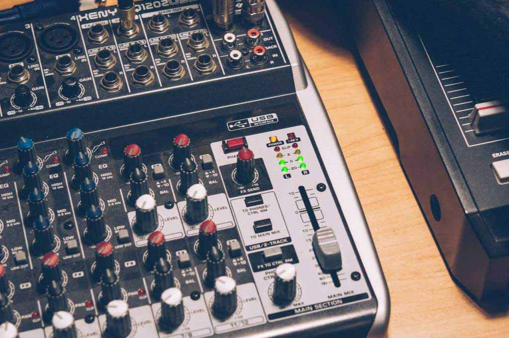 Best 4 Channel Mixers – Buyer's Reviews
