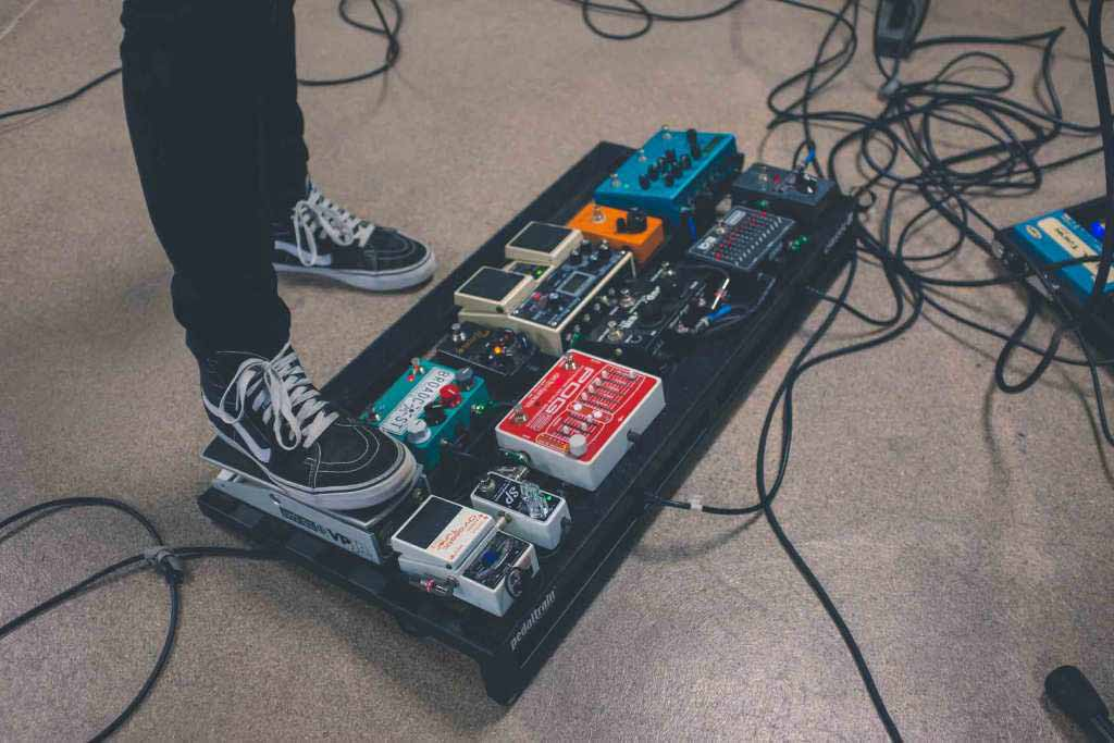 Best Acoustic Simulator Pedals – Buyer's Reviews