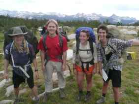 Group photo of student hikers in Summer 2017