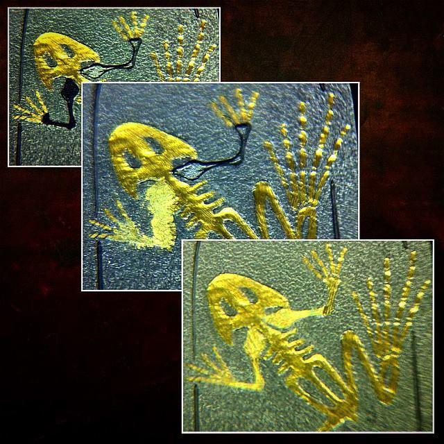 Gold_Frog_Skeleton_Pendant_WR_6