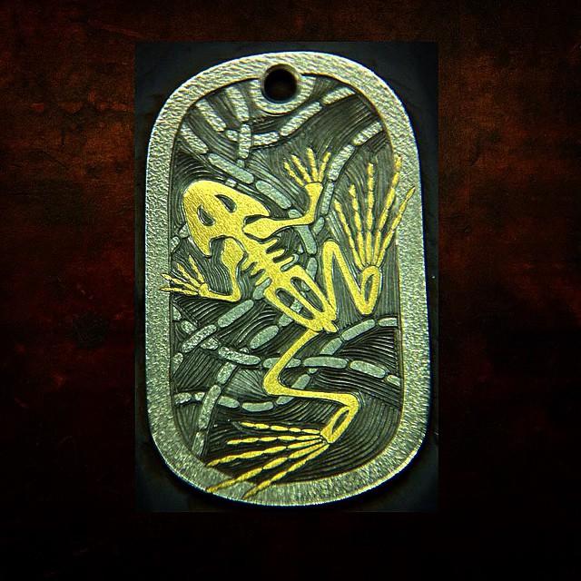 Gold_Frog_Skeleton_Pendant_WR_8