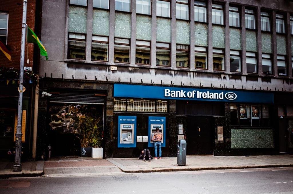 Economics 101: Bank