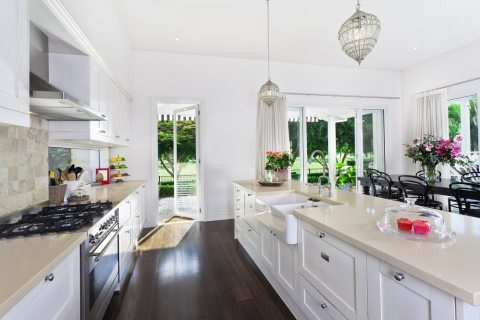 Add the Perfect Tropical Vibe to Your Kitchen Remodeling in Atlanta