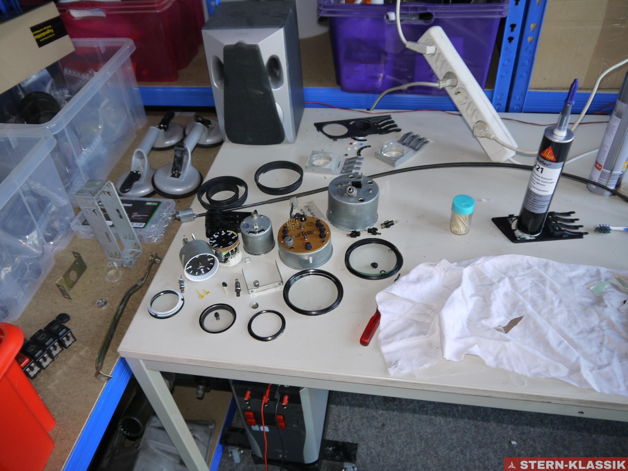 Teil 21: W460.332 (300 GD) – Instrumente zerlegen und Zeiger lackieren
