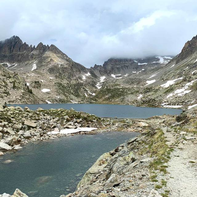Hiking to Lac Nègre
