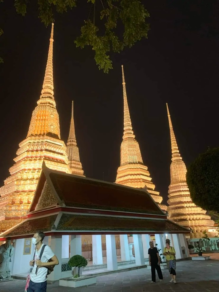 Wat Pho at night