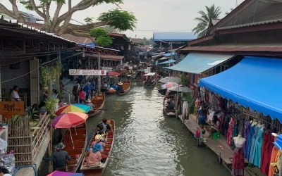 Floating Market: Visit Bangkok's Damnoen Saduak