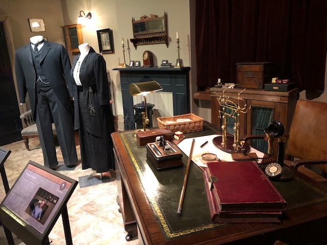 Carson's office