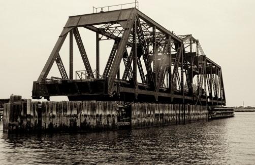 Hackensack River railroad bridge