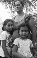 mother and daughgters bw