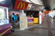 In case you get tired of the local foods, you can get your burger fix anywhere. In this case at the skytrain station. For the locals, the most popular dish at McDonald's seems to be fried chicken and rice (hot sauce on the side.)
