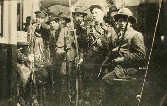MI+Members+of+the+Irish+Republican+Army+photographed+during+the+1916+Easter+Rising