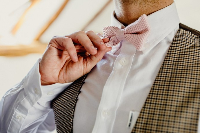 groom and bow tie, wedding preparations