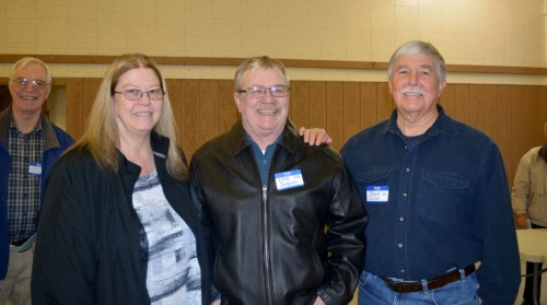 Candy Simpson and Ernie Simpson visit with Author Steven T. Callan at the Orland Alumni Association Awards Dinner.
