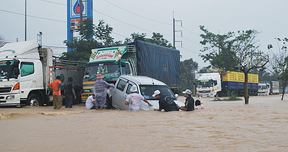 Floods Submerge South Thailand (4/6)