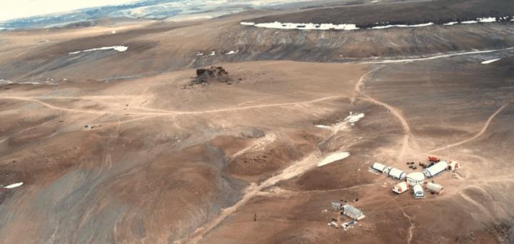 MARS rover landing hoax. Are NASA MARS photos fake? NASA MARS photos look like they were taken on devon island Canada.