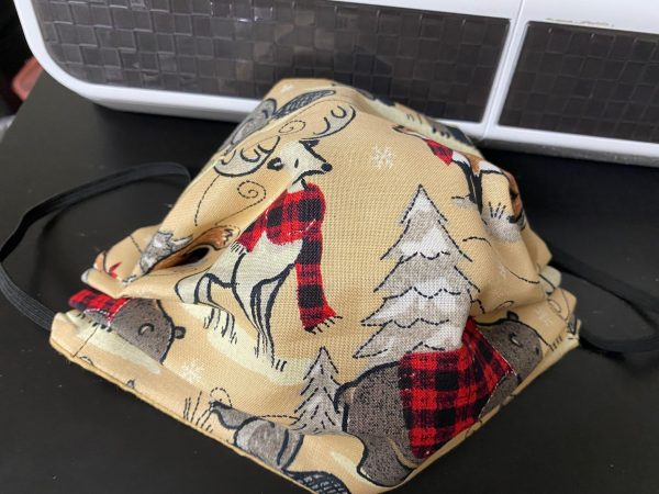 Wood Animals in Plaid Face Mask - These animals you find in the woods are wearing some kind of plaid.
