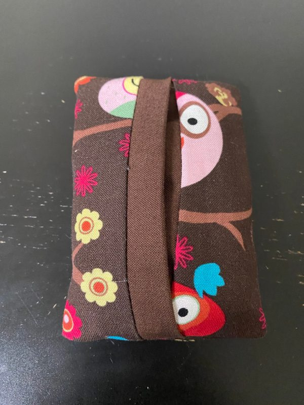 Owl Pocket Tissue Holder - These owls will hold your tissues in this pocket tissue holder. #Owls
