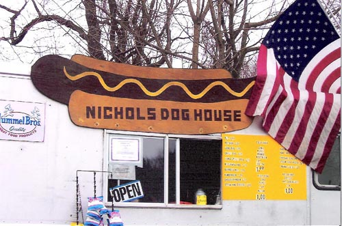 Nichols Dog House Truck, Rt. 34, Oxford, Conn.