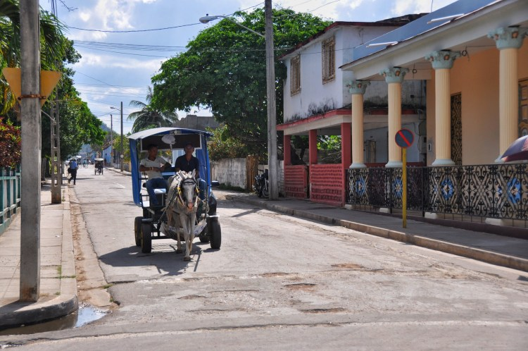 Photo of a horse and carriage in Nueva Gerona, Cuba by Stevie Vagabond