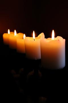 Tenebrae_Candles