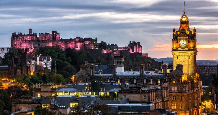 Edinburgh - book a walking tour
