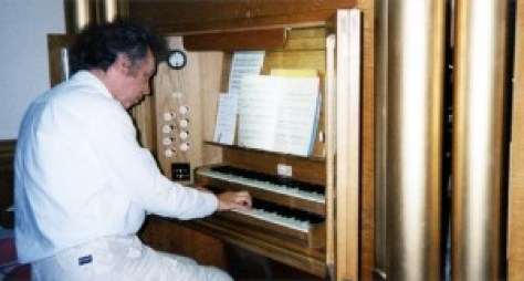 1999_Martin plays organ, St Gregory's