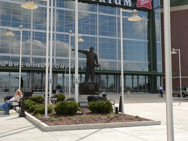 Curly Lambeau Statue Green Bay Packers coach