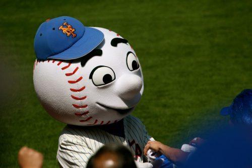 Mr Met mascot of New York Mets