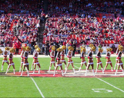 San Francisco 49ers cheerleaders performance