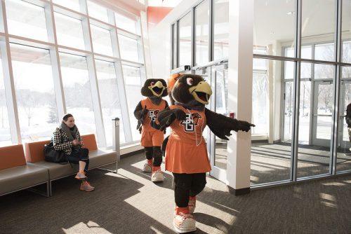 Freddie and Frieda mascots of BGSU Falcons