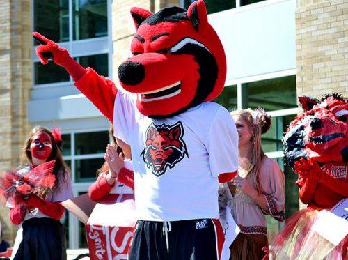 Howl mascot of Arkansas State Red Wolves