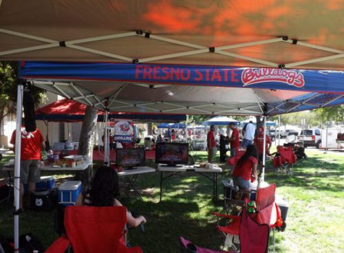 Fresno State Bulldogs fans tailgate party