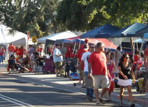 Fresno State Bulldogs fans tailgating on football gameday