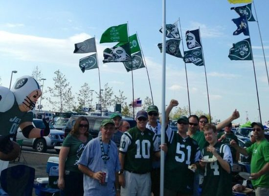 fans partying at New York Jets tailgate lot