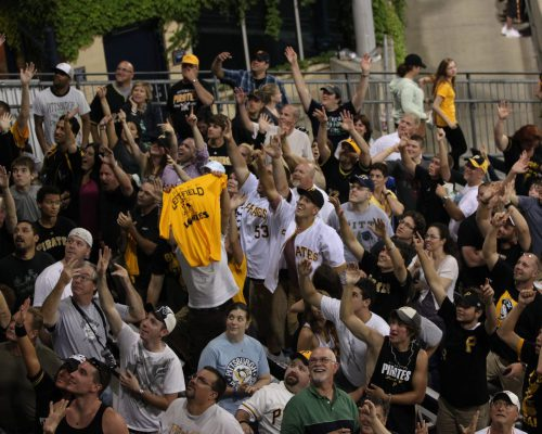 Pittsburgh Pirates fans cheering