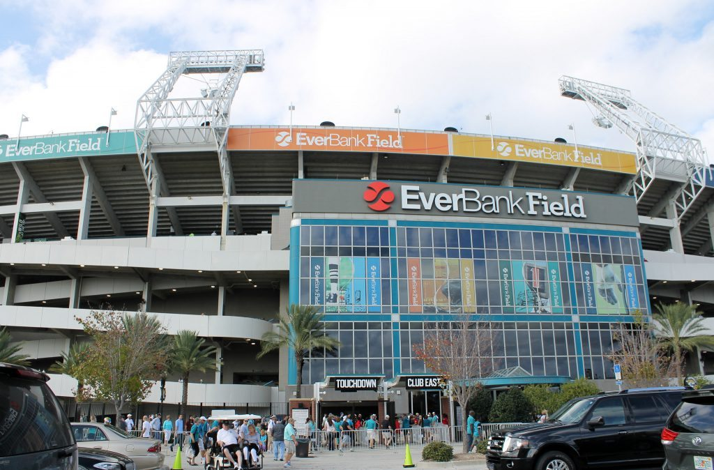 Jacksonville Jaguars fans entering EverBank TIAA Bank Field Touchdown Club East