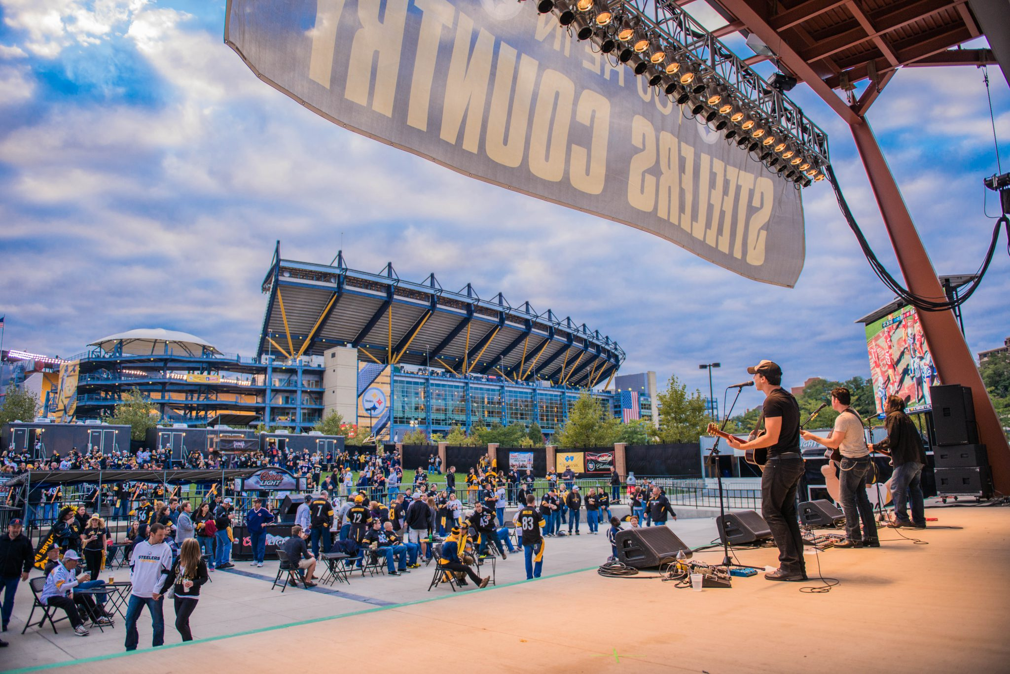 fans tailgate party at a Pittsburgh Steelers game in Heinz Field