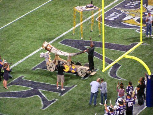 Gjallarhorn Minnesota Vikings horn sounded during pregame game day tradition
