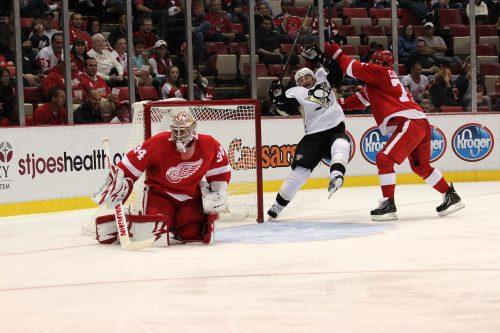 Red Wings vs Penguins hockey game