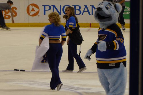 Blue Crew Girls and Louie St Louis Blues
