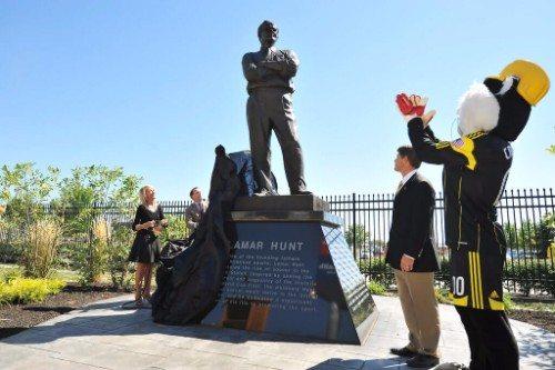 Lamar Hunt Statue Columbus