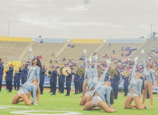 Southern Jaguars cheerleaders