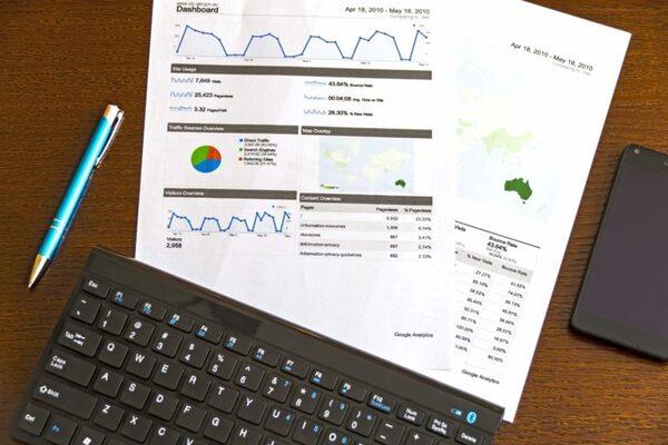 魅力的な情報とデータを持つ