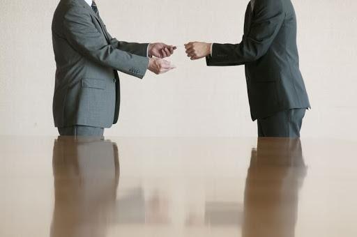 商談における「名刺交換」がコロナ禍で大きく変化