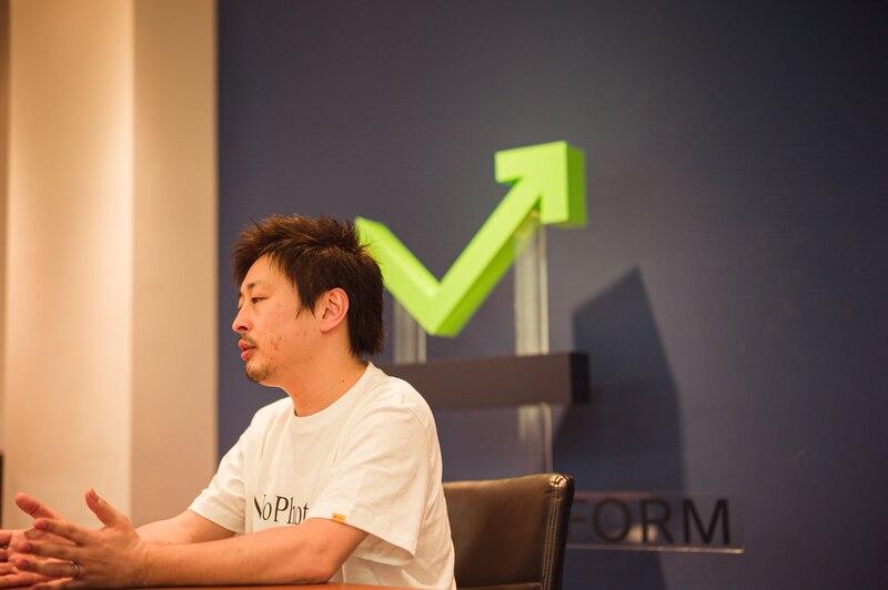 リスクシミュレーションについて話す須藤氏の写真