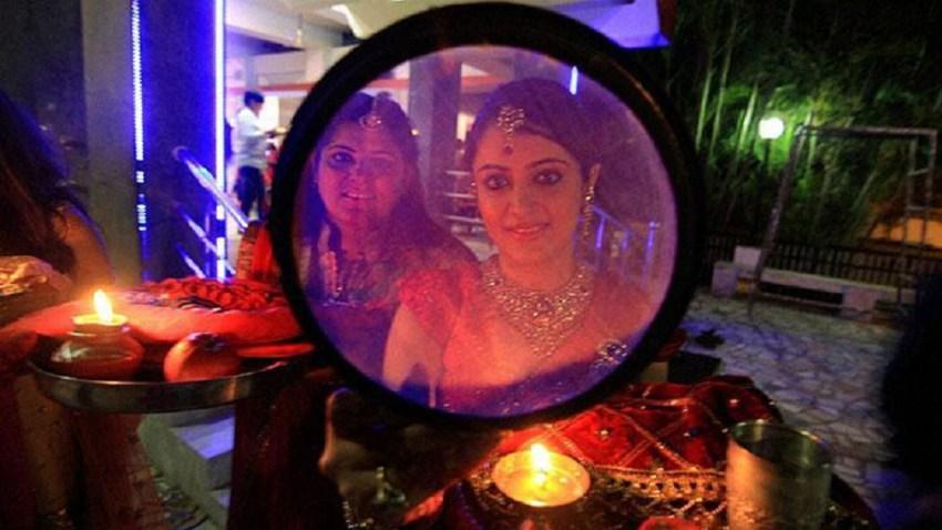 करवा चौथ 2017: चांद देखने से पहले भूलकर भी न करें ये काम, नहीं मिलेगा पूजा का फल